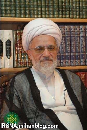 آیت الله اسد الله بیات زنجانی : مخالفان دولت در مجلس در انتخابات بد میبینند
